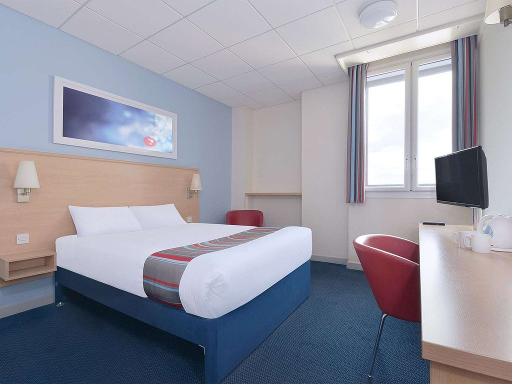 Travelodge bedroom